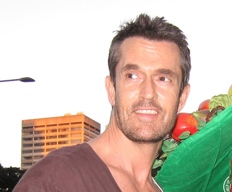 Znany aktor-gej przeciw homoadopcji