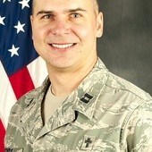 Ks. kapitan Arek Szyda,  kapelan US Air Force