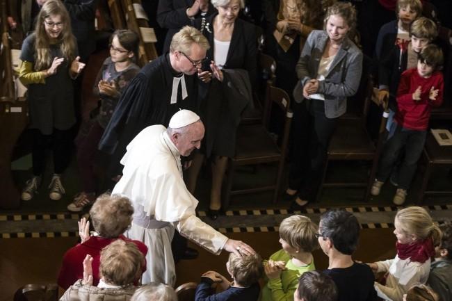 f1e1db24c9 Komunia dla ewangelików  Papież odpowiada