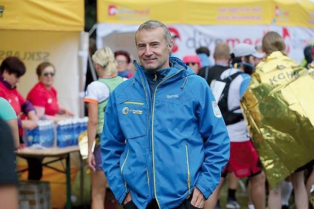 5ba30229 Leszek Kosiorowski zapewnia, że pomaganie nie zależy od umiejętności, choć  na trasie są zarówno