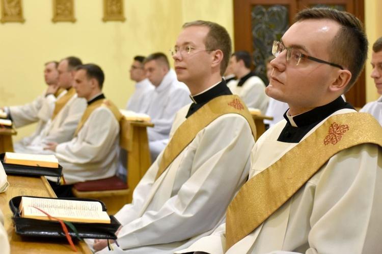 Pożegnanie diakonów w świdnickim WSD