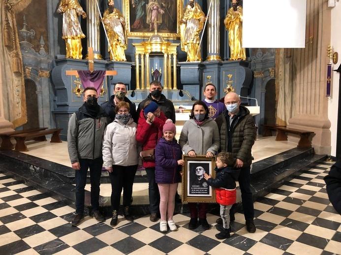 W Rawie Mazowieckiej rodziny Domowego Kościoła dziękowały za ks. Blachnickiego i prosiły o jego beatyfikację.